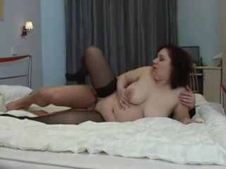 Guy stretches buxom mom's pussy with strong cock